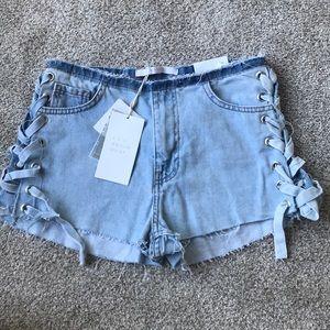 NEW Zara lace up jean shorts